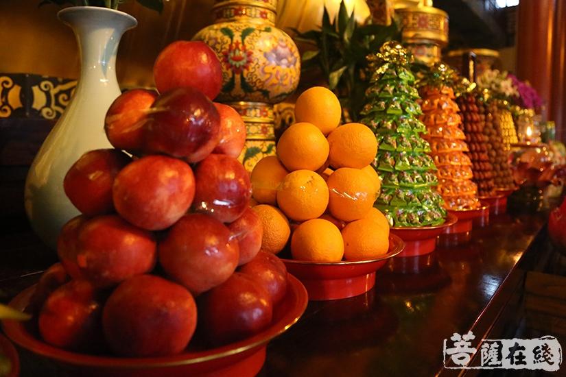 供果飘香(图片来源:菩萨在线 摄影:妙祺)