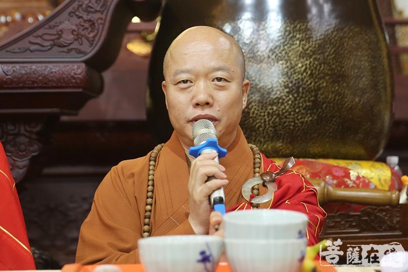 中国佛教协会副秘书长、上海佛教协会副会长、上海龙华寺方丈照诚大和尚(图片来源:菩萨在线 摄影:妙雨)