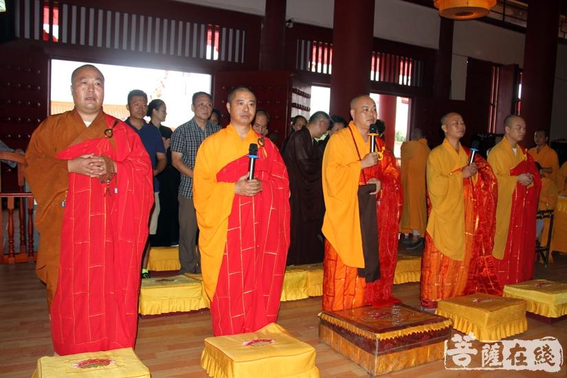 五大士焰口于大雄宝殿举行(图片来源:菩萨在线 摄影:妙雨)