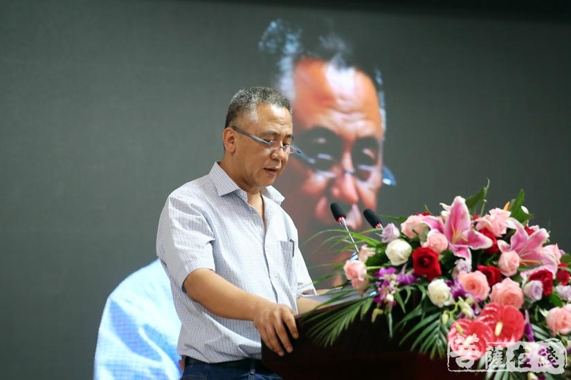 廊坊市民宗局副局长张永军指出:佛教界应坚决抵制佛教的商业化和世俗化(图片来源:菩萨在线 摄影:妙清)