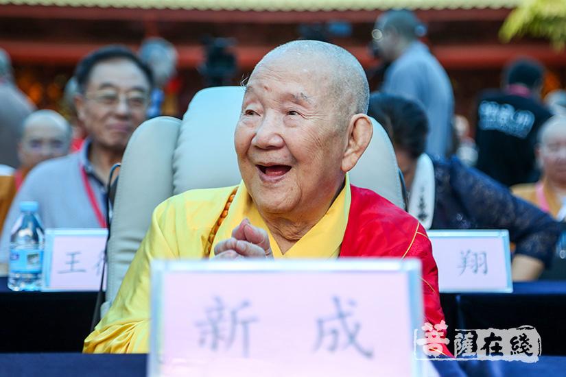 新成长老对广州市佛教协会之蓬勃发展倍感欣慰(图片来源:菩萨在线 摄影:妙清)