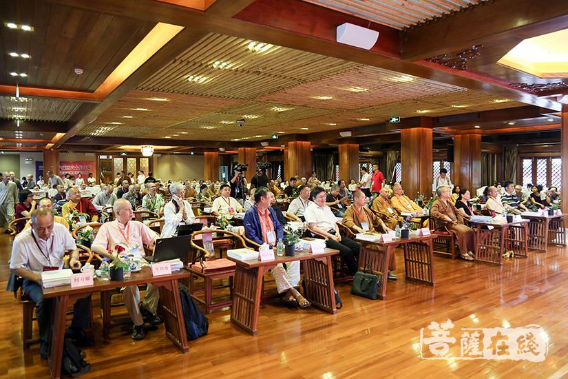 本次高峰论坛为广州佛教提出了诸多极具发展眼光的建议(图片来源:菩萨在线 摄影:果仁)