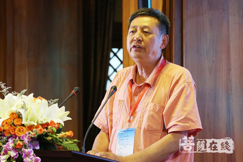 中国社会科学院教授黄夏年发言(图片来源:菩萨在线 摄影:果仁)
