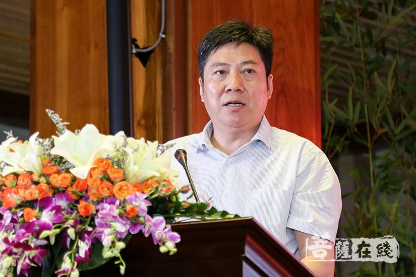 广州市民族宗教事务局副局长李庆奎讲话(图片来源:菩萨在线 摄影:妙清)