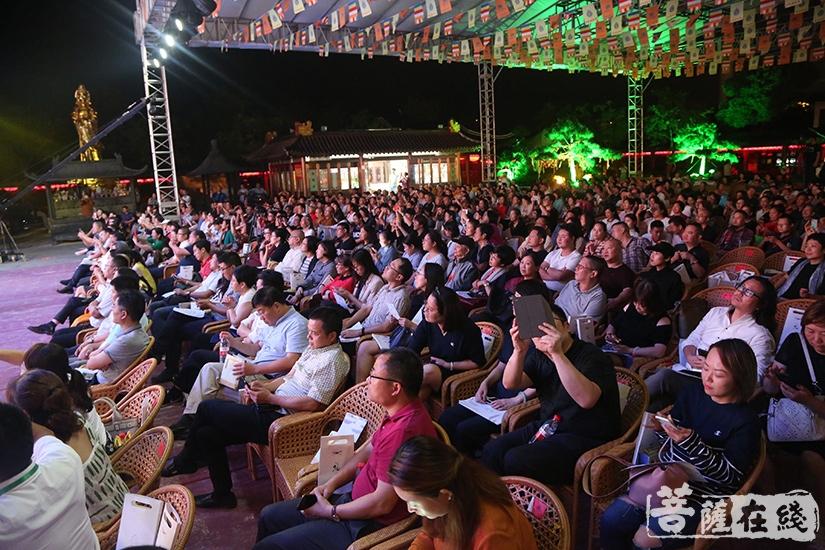 现场观众(图片来源:菩萨在线 摄影:妙静)