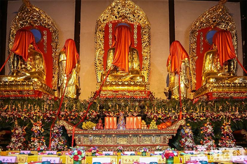 佛像开光是佛教中的重要仪式(图片来源:菩萨在线 摄影:果仁)