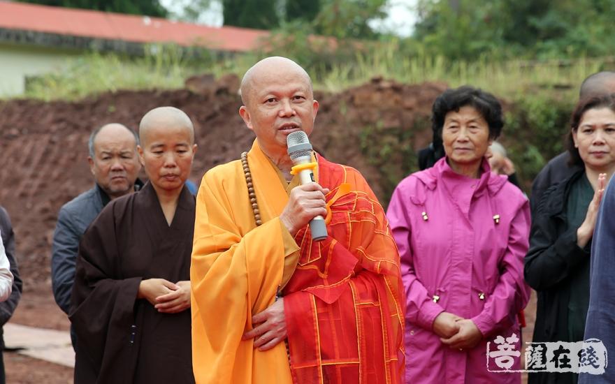 瑞印法师代表赣州市佛教协会肯定了集贤寺的历史地位(图片来源:菩萨在线 摄影:妙雨)