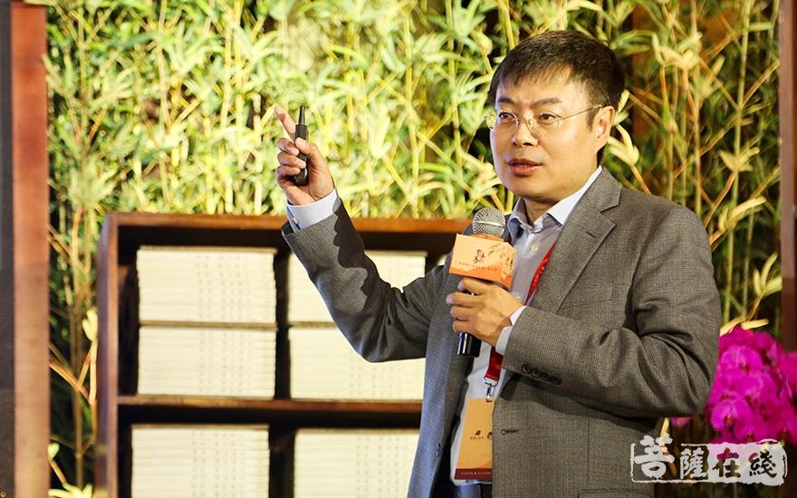 中國工程院院士、上海大學黨委書記、校長金東寒指出企業家是創新的主體(圖片來源:菩薩在線 攝影:妙祺)