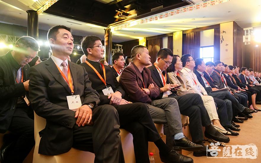 現場企業家認真聆聽(圖片來源:菩薩在線 攝影:妙祺)