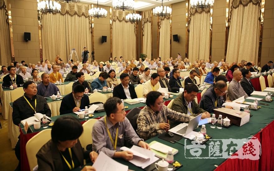 五十多名學者出席(圖片來源:菩薩在線 攝影:妙雨)