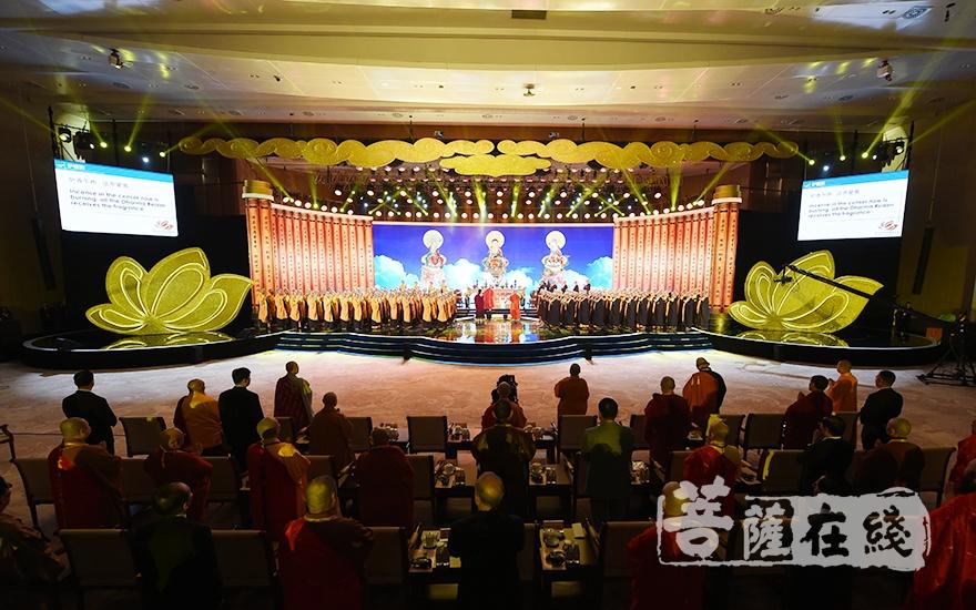 第五届世界佛教论坛在莆田隆重开幕(图片来源:菩萨在线 摄影:妙雨)