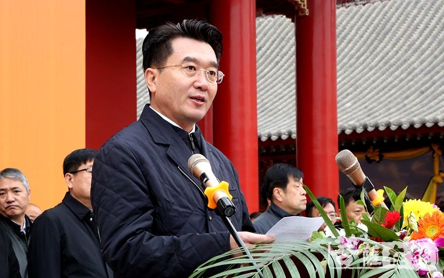 沈阳市副市长王广生代表市政府致悼词(图片来源:菩萨在线 摄影:妙梵)