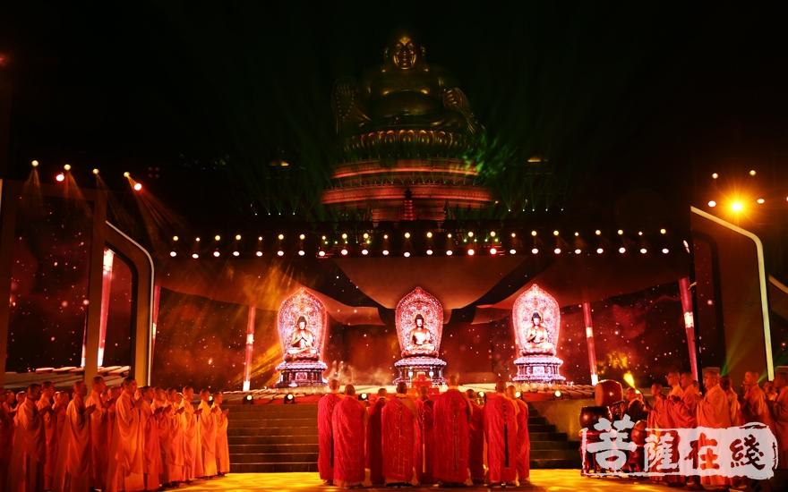 祈福法会(图片来源:菩萨在线 摄影:妙雨)
