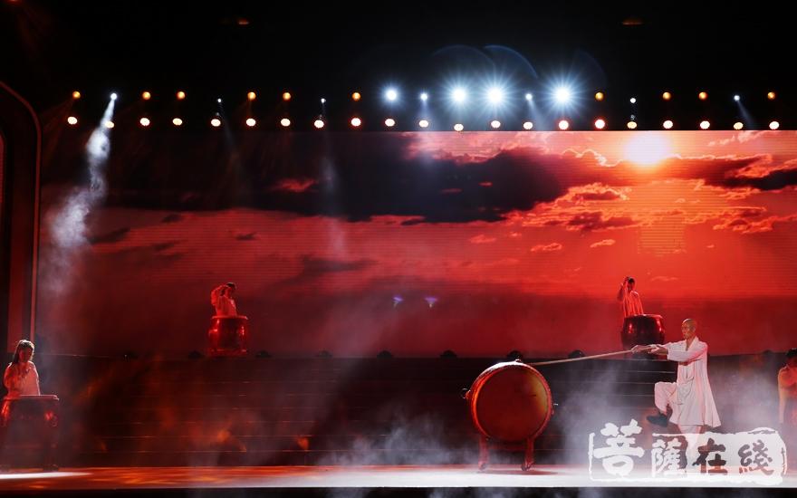 《金刚鼓》(图片来源:菩萨在线 摄影:妙澄)