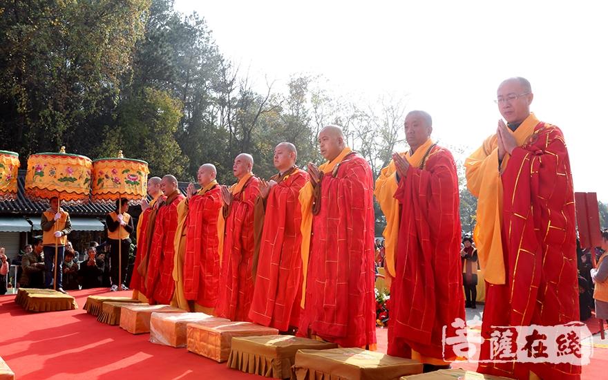 主法法师共同主法纪念法会(图片来源:菩萨在线 摄影:妙静)