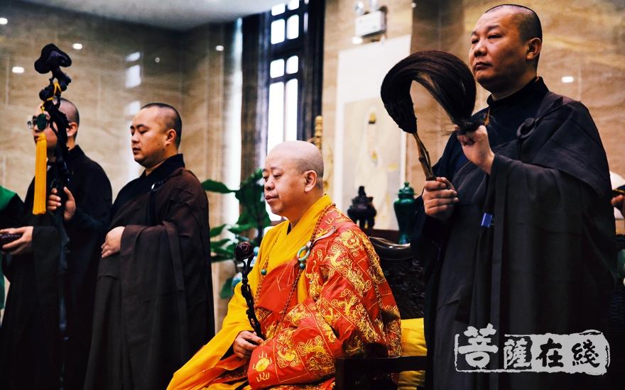 恭请崇庆寺法主和尚、中国佛教协会副会长、江西省佛教协会会长、南昌佑民寺方丈纯一大和尚上堂说法