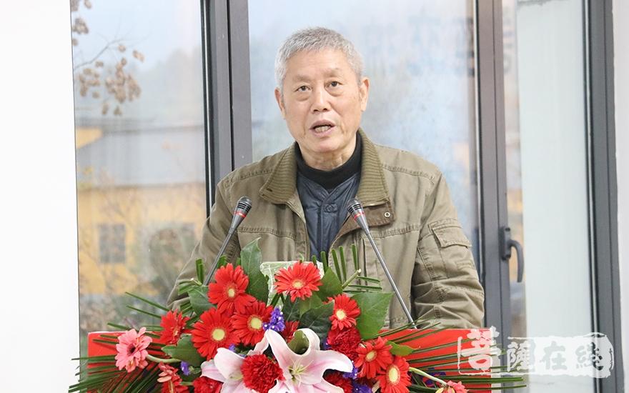 黄复彩教授作讲经总评(图片来源:菩萨在线 摄影:妙月)