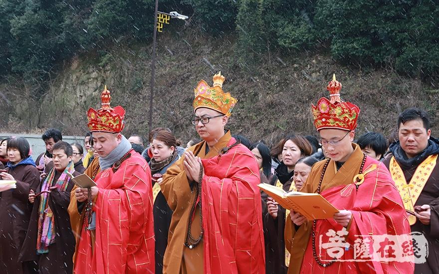 祈祷国运昌隆、正法久住(图片来源:菩萨在线 摄影:妙言)