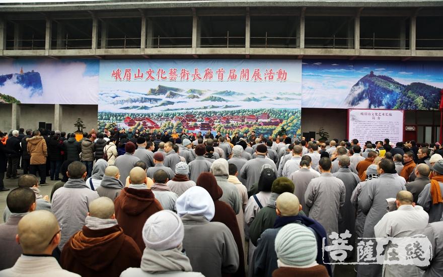 欢聚一堂(图片来源:菩萨在线 摄影:妙雨)