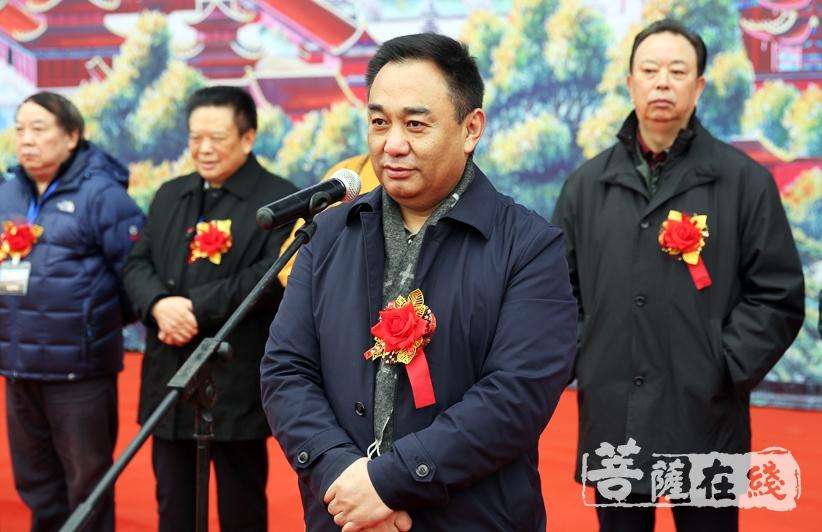 李凯副主任认为文化长廊的建成对推动峨眉山佛教文化事业更好更快地发展具有积极的意义(图片来源:菩萨在线 摄影:妙雨)