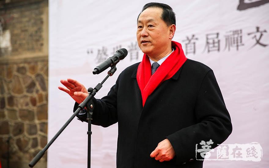 中共中央国家机关工作委员会宣传部部长郭存亮肯定了本次活动的意义,并对普光寺的发展提出指导性意见(图片来源:菩萨在线 摄影:果仁)