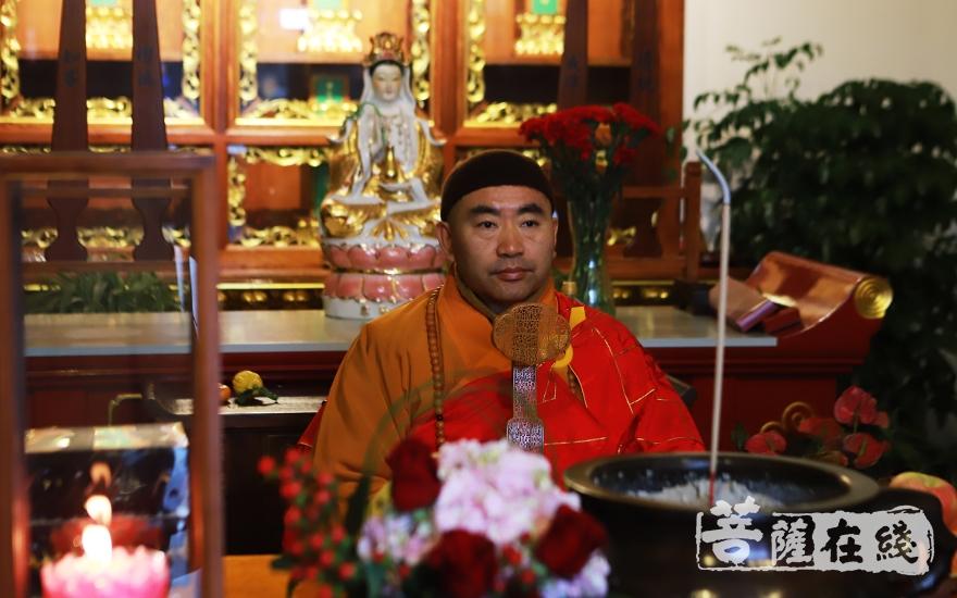 宁国禅寺方丈平熹法师(图片来源:菩萨在线 摄影:妙言)