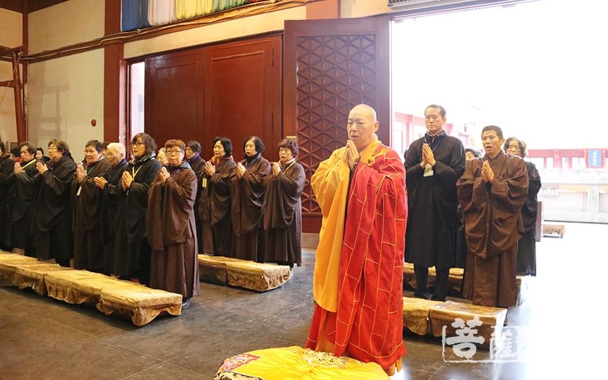 祭祖报恩法会(图片来源:菩萨在线 摄影:妙月)