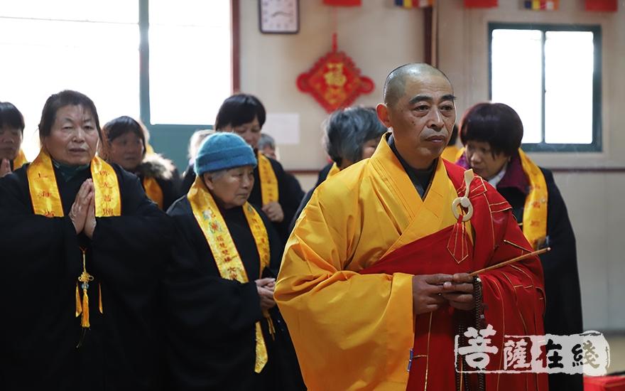 莲海法师主法祈福法会(图片来源:菩萨在线 摄影:妙言)