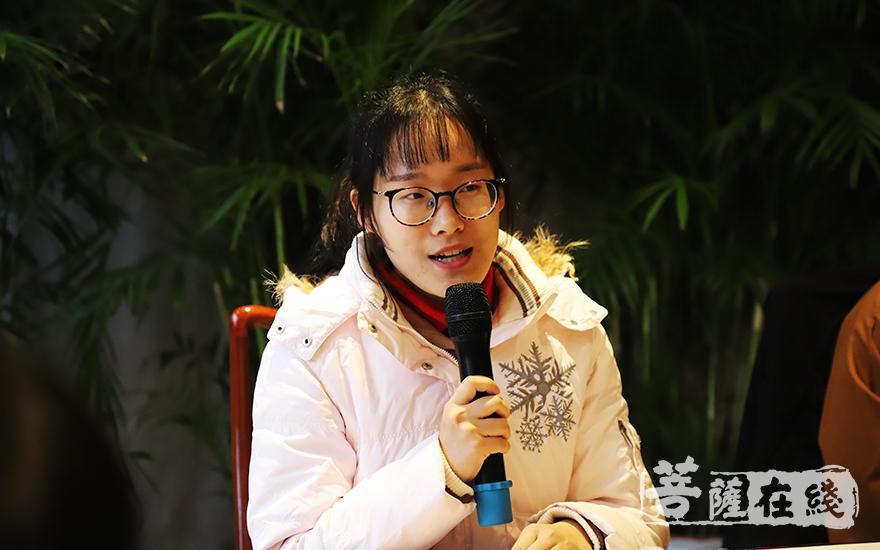 受助学生代表发言(图片来源:菩萨在线 摄影:妙言)