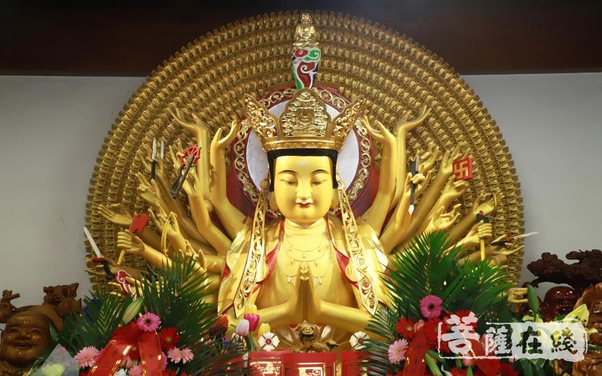 福田净寺观音殿所供观音圣像(图片来源:菩萨在线 摄影:妙澄)