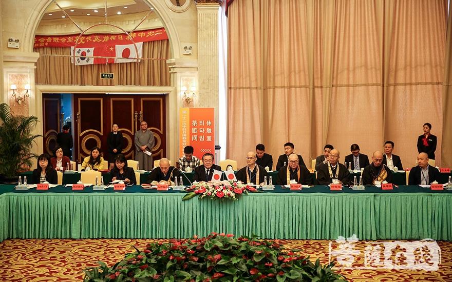 日本佛教代表团(图片来源:菩萨在线 摄影:果仁)