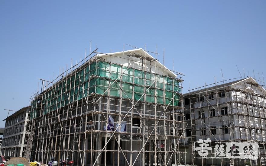 正在筹建的三期养老院(图片来源:菩萨在线 摄影:妙月)