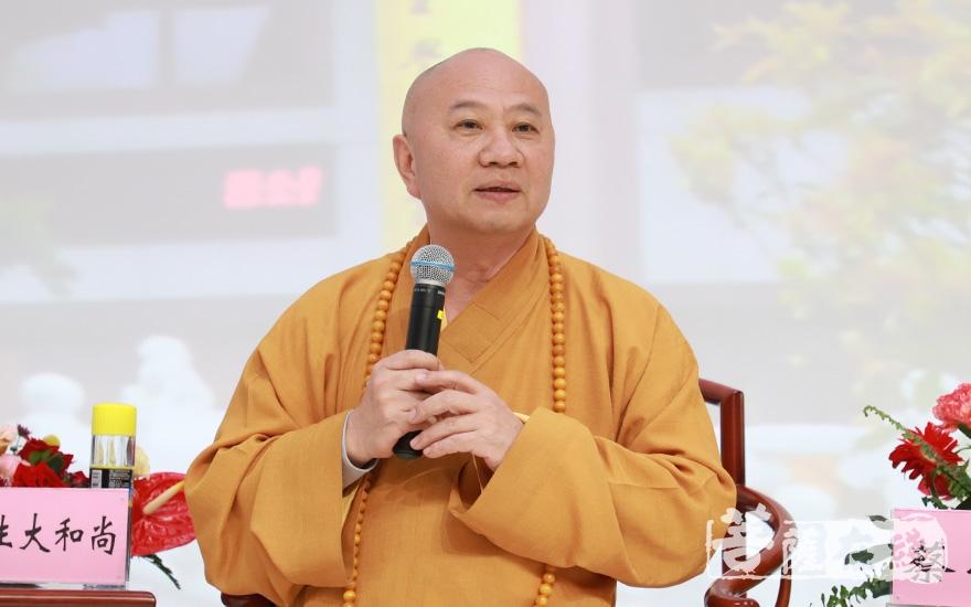 明生大和尚:佛教中国化是每个佛教徒推动佛教事业发展的必然要求(图片来源:菩萨在线 摄影:妙澄)