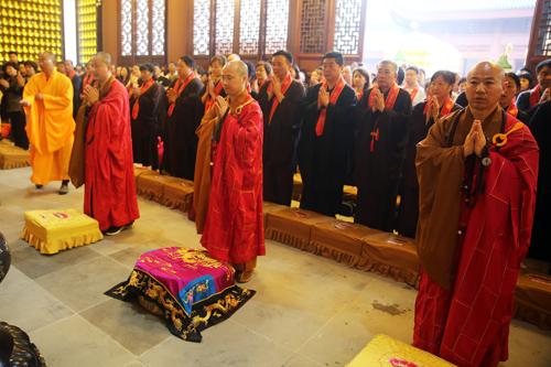 隆庆寺举行三期工程祈福法会