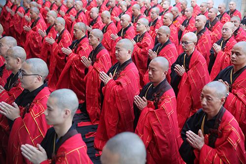 """佛教中所说的""""四威仪""""是指的四个方面"""