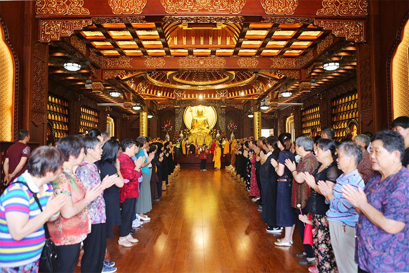【高清图集】上海地藏古寺举行引香行脚圆满归来暨百尊鎏金地藏菩萨安座法会