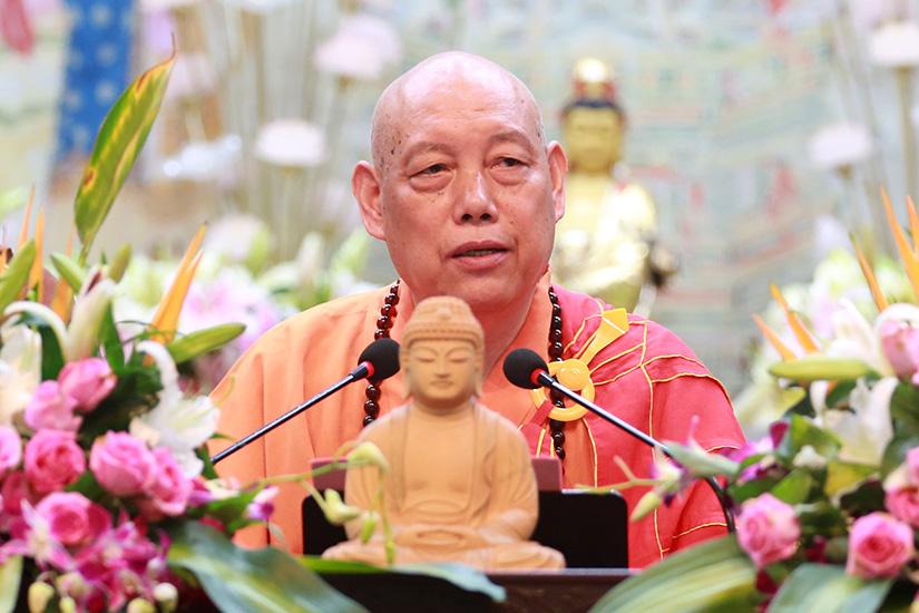 普陀山佛教协会传授三皈五戒法会圆满