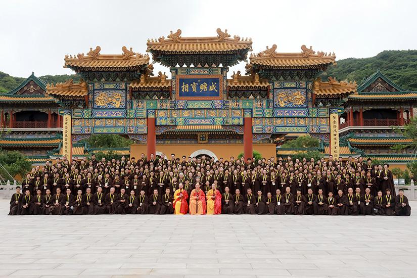 普陀山佛教协会传授三皈五戒法会