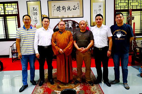 岳阳佛教维权坚决 房产公司登门致歉