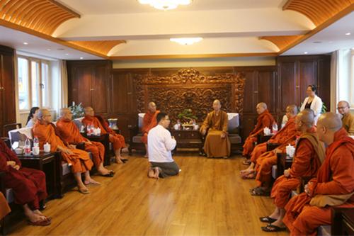 中国佛教协会学诚会长会见缅甸佛教高僧访华代表团一行