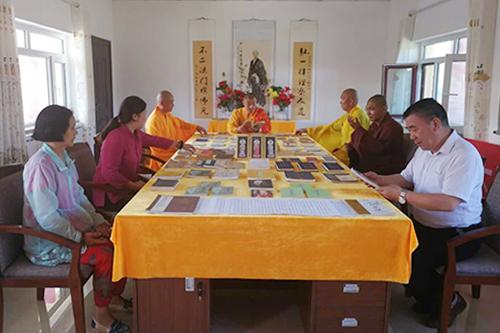 纪念弘一大师出家百年文献公益巡展于新疆举行