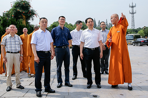 湖州市委书记马晓晖一行莅临法华寺走访调研宗教工作