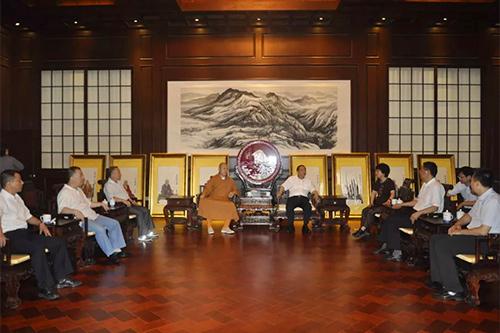中共陕西省委常委、省委统战部部长姜锋一行赴西安大兴善寺调研