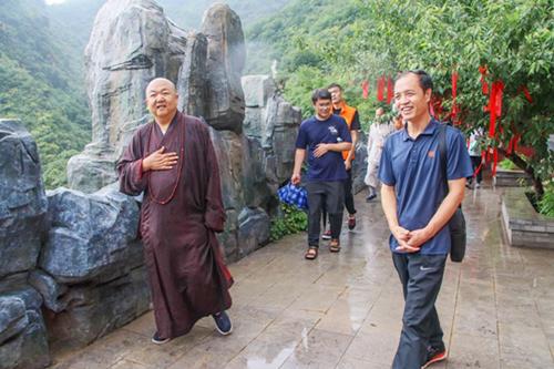 中国佛教协会办公室主任一行赴北京白瀑寺参观调研