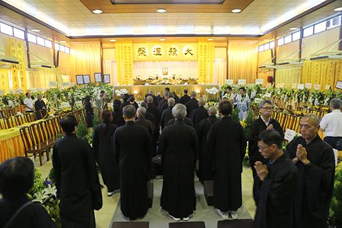 澳门佛教总会理监事一行赴香港宝莲禅寺悼念健钊长老