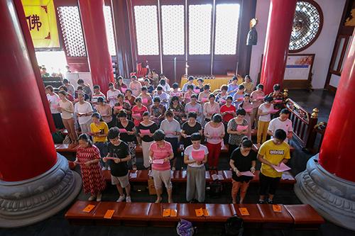 湖州法华寺举行中高考还愿法会 慈光摄受众考生