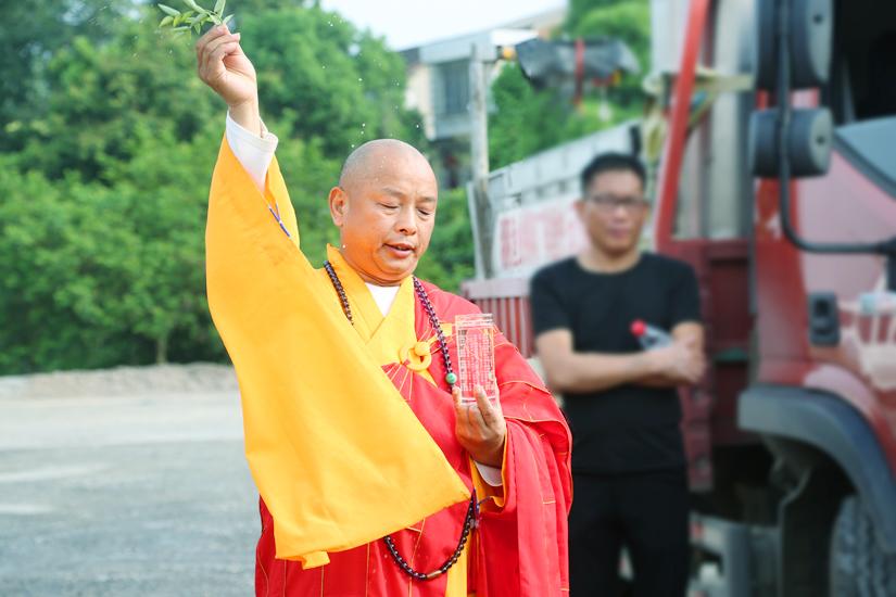 【高清图集】保护洞庭湖生态环境 湖南湘阴县佛教协会举行放生祈福法会
