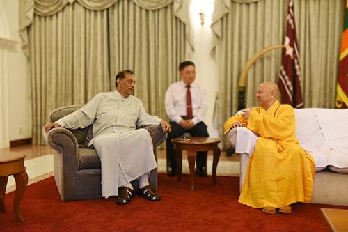 斯里兰卡议会卡鲁议长会见明生大和尚一行