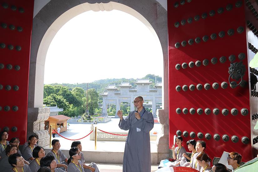 【高清图集】珠海普陀寺短期出家第二日:学习佛教仪轨、佛教礼仪