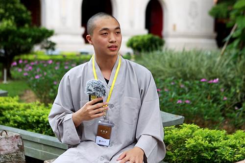 珠海普陀寺短期出家班现场采访学员